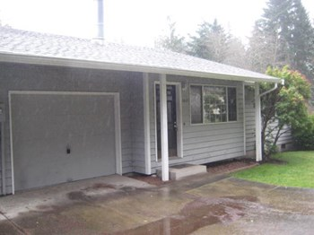 1021 Northeast Mcwilliams Road 2 Beds House for Rent Photo Gallery 1