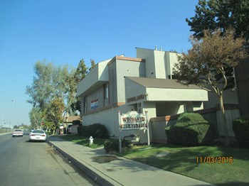 1400 Valhalla Drive 1-2 Beds Apartment for Rent Photo Gallery 1