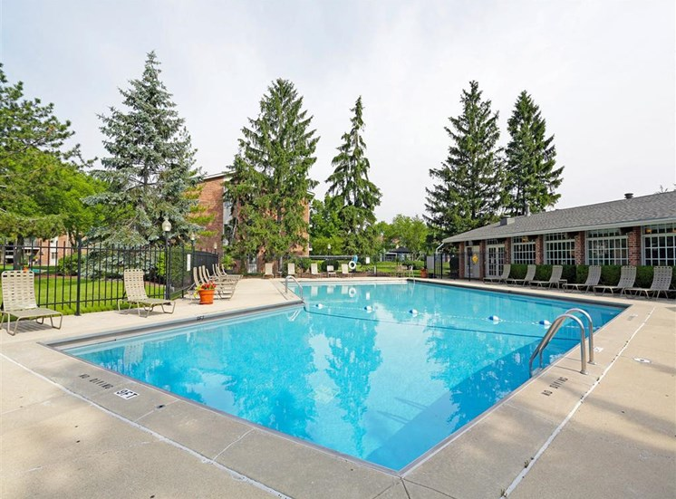 Swimming pool at Orion 59, Naperville, IL
