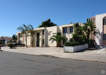 3820 45th Street 1 Bed Apartment for Rent Photo Gallery 1