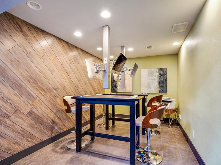 The Modern | Denver, CO Apartments | Coworking Lounge