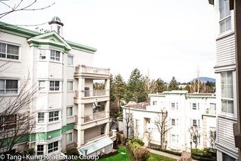 305-15268 105 Avenue 1 Bed Apartment for Rent Photo Gallery 1