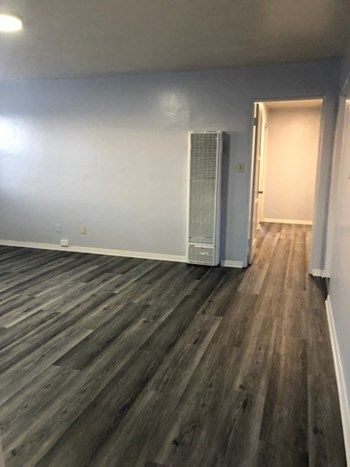 1527 Garnet Avenue 4 Beds Apartment for Rent Photo Gallery 1