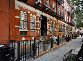 324 East 82Nd Street 2 Beds Apartment for Rent Photo Gallery 1