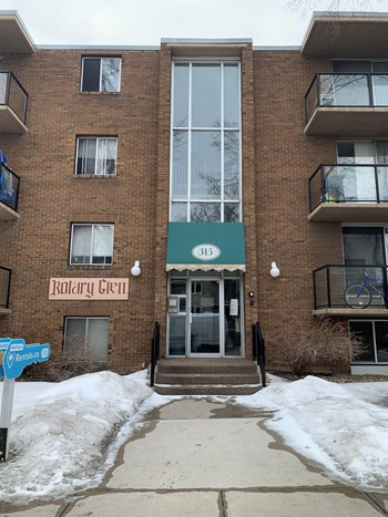 315 4 Avenue Northeast 1-2 Beds Apartment for Rent Photo Gallery 1
