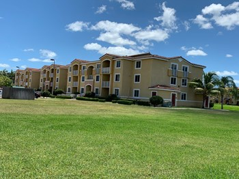 21050 SW 87Th Ave 1-10 Beds Apartment for Rent Photo Gallery 1