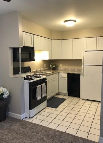 960 Westmoreland Drive 1-2 Beds Apartment for Rent Photo Gallery 1