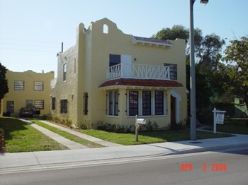 3011  Broadway 1 Bed Apartment for Rent Photo Gallery 1