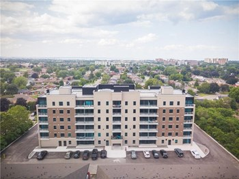120 King Street West 2 Beds Apartment for Rent Photo Gallery 1