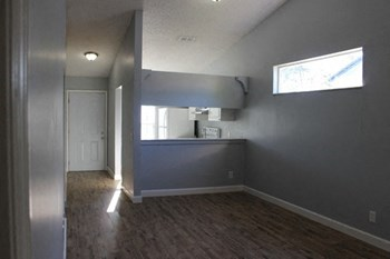 5112 Stacy Road LLC 2 Beds Apartment for Rent Photo Gallery 1