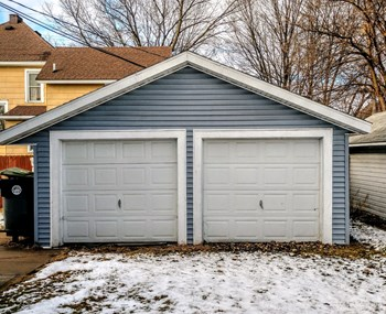 Garage #2 Studio Apartment for Rent Photo Gallery 1