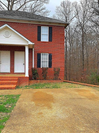 1104 A Woodland Drive 2 Beds House for Rent Photo Gallery 1