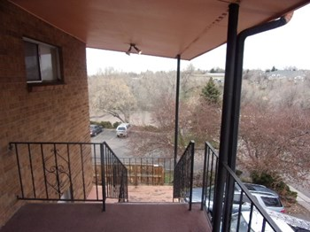 801 W. Prentice Avenue 2 Beds Apartment for Rent Photo Gallery 1