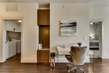 Apt RD45 2 Beds Apartment for Rent Photo Gallery 1