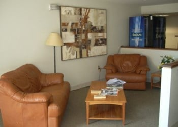 222 SW Pine Studio-1 Bed Apartment for Rent Photo Gallery 1