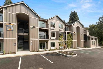 13851 Holcomb Blvd. 1-2 Beds Apartment for Rent Photo Gallery 1