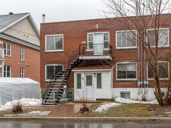 50-52 Avenue Léo-Lacombe 2-3 Beds Apartment for Rent Photo Gallery 1