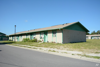 15902 Homewood Ln 1-4 Beds Apartment for Rent Photo Gallery 1