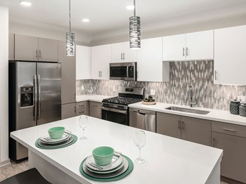 909 E Playa Del Norte Dr Studio-2 Beds Apartment for Rent Photo Gallery 1