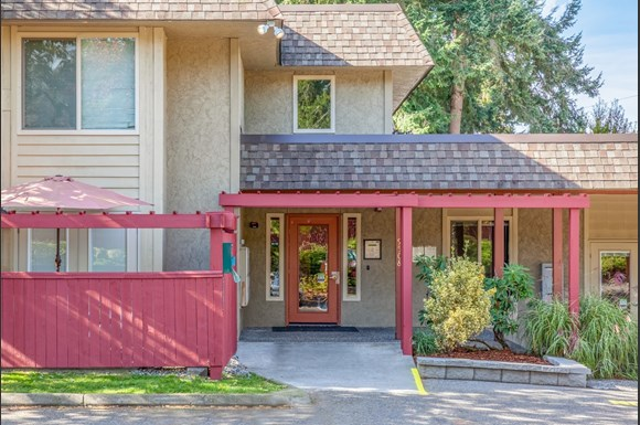 The Cascadian in Edmonds | Apartments in Edmonds, WA
