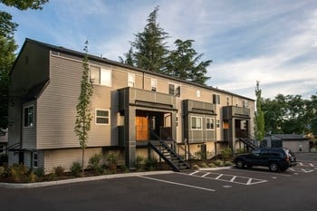 18540 SW Boones Ferry Rd 1 Bed Apartment for Rent Photo Gallery 1