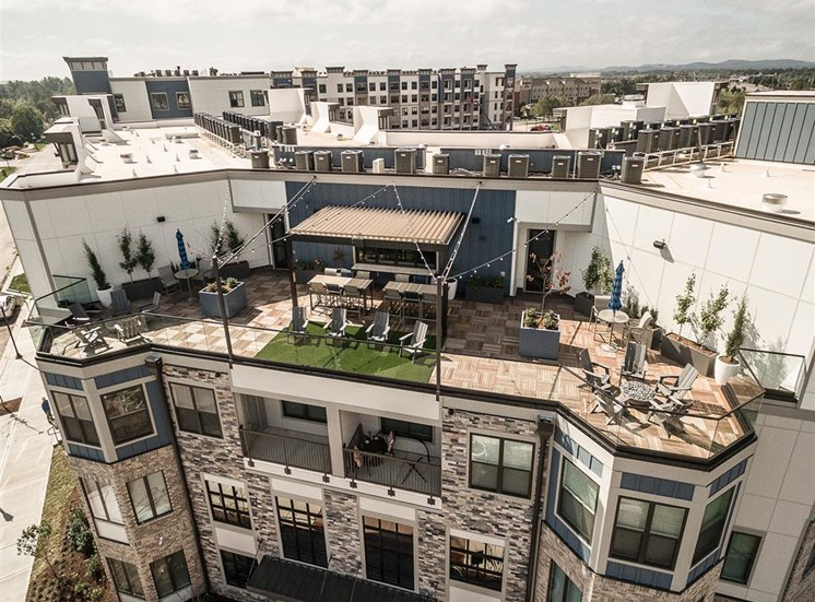 vintage-at-avenue-rooftop