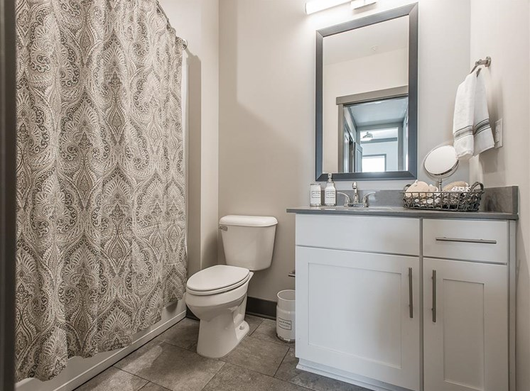 vintage-at-avenue-bathroom