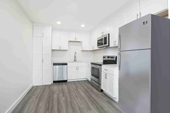 10947 Abington Avenue 2 Beds Apartment for Rent Photo Gallery 1