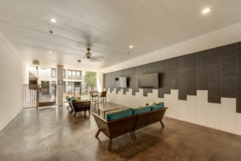 RD39 West Cityline Drive 1 Bed Apartment for Rent Photo Gallery 1