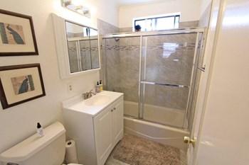 119 Park Street Studio Apartment for Rent Photo Gallery 1