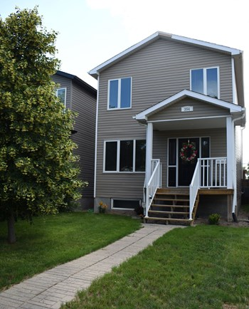 354 Ottawa Street 3 Beds House for Rent Photo Gallery 1
