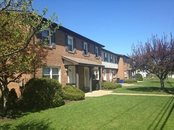 5116-26 Old Zuck Road 3 Beds Apartment for Rent Photo Gallery 1