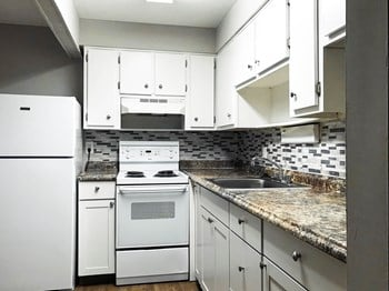 684 Thurber Dr. West 2-3 Beds Apartment for Rent Photo Gallery 1