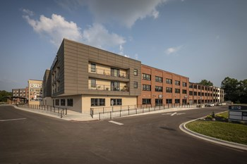 275 River Centre Landing Studio Apartment for Rent Photo Gallery 1