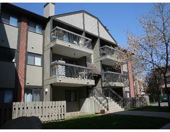 3302, 13045 6 Street SW 2 Beds House for Rent Photo Gallery 1