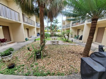 382 S. Orlando Ave. 1-2 Beds Apartment for Rent Photo Gallery 1
