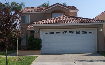 2131 Carnation Ave. 3 Beds House for Rent Photo Gallery 1