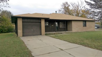 3904 W. ELM 2 Beds House for Rent Photo Gallery 1