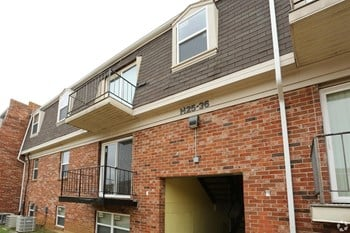 2220 Devonport Drive OFC 3 Beds Apartment for Rent Photo Gallery 1