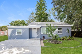 3027 W Van Buren Drive 3 Beds House for Rent Photo Gallery 1