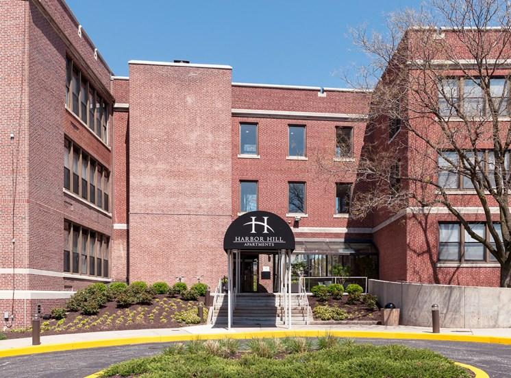 Harbor Hill Apartments exterior