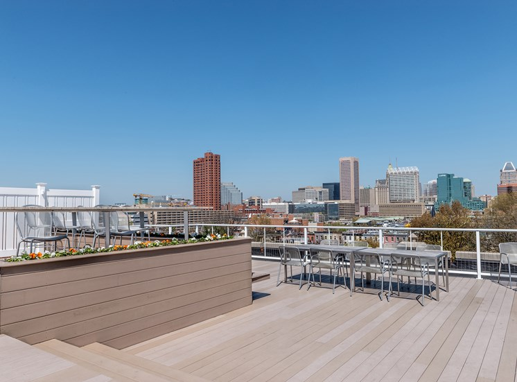 Harbor Hill Apartments rooftop lounge