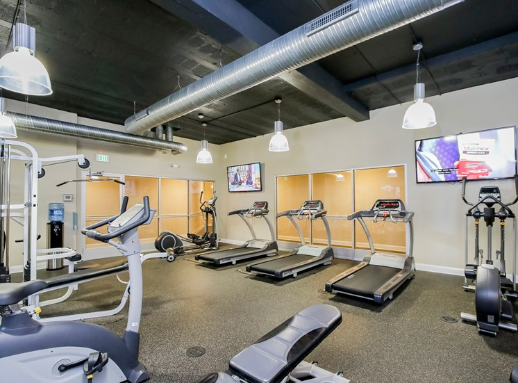Harbor Hill Apartments fitness center