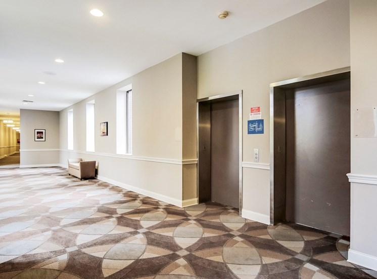 Harbor Hill Apartments elevators