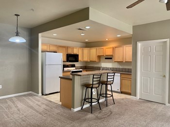 #228 2 Beds Apartment for Rent Photo Gallery 1