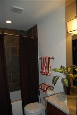 233 Bartow Alley 2 Beds Apartment for Rent Photo Gallery 1