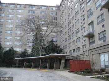1030 East Lancaster Avenue 2 Beds Apartment for Rent Photo Gallery 1