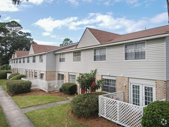 3901 Darien Highway 1-3 Beds Apartment for Rent Photo Gallery 1