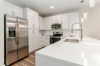 1307 Westlawn Boulevard 1-3 Beds Apartment for Rent Photo Gallery 1