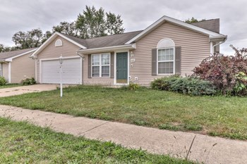 605 South Sunny Lane 3 Beds House for Rent Photo Gallery 1